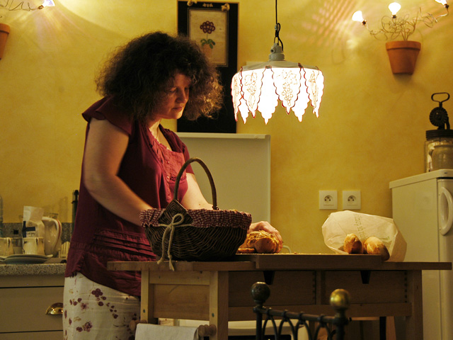 Servi à table par Pierrette